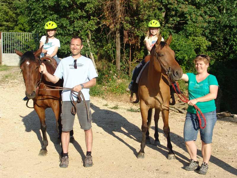 horse children tuscany